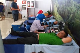 May Day, Pelindo IV Gelar Sunatan Massal & Donor Darah.